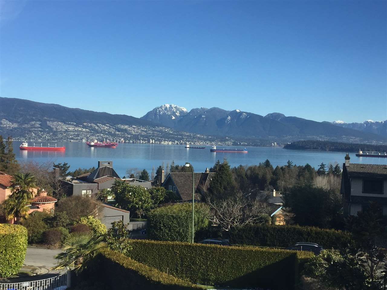 """Main Photo: 4541 W 3RD Avenue in Vancouver: Point Grey House for sale in """"NORTH OF 4TH WEST POINT GREY"""" (Vancouver West)  : MLS®# R2352886"""
