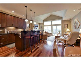 Photo 3: 7 551 Bezanton Way in VICTORIA: Co Latoria Row/Townhouse for sale (Colwood)  : MLS®# 717486