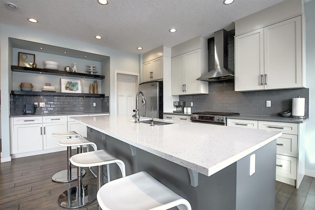 Main Photo: 32 Walden Bay SE in Calgary: Walden Detached for sale : MLS®# A1055250