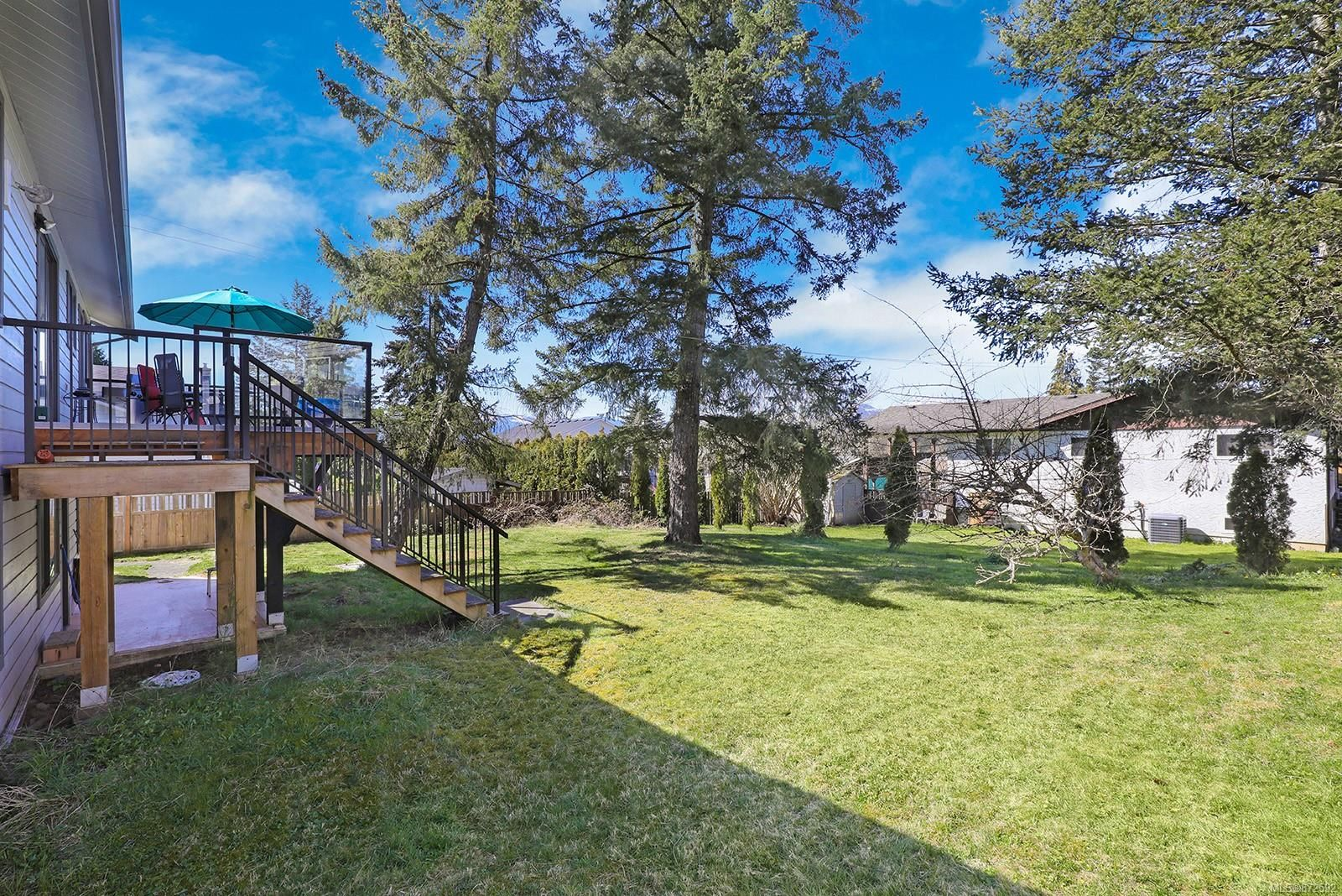 Photo 32: Photos: 1626 Valley Cres in : CV Courtenay East House for sale (Comox Valley)  : MLS®# 872592