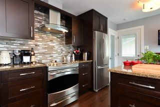 """Photo 6: 15701 GOGGS Avenue: White Rock House for sale in """"WHITE ROCK"""" (South Surrey White Rock)  : MLS®# R2178923"""