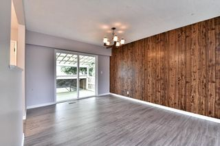 Photo 5: 17836 59A Avenue in Surrey: Cloverdale BC House for sale (Cloverdale)  : MLS®# R2111038
