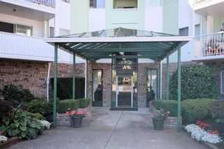 "Photo 2: 216 31850 UNION Avenue in Abbotsford: Abbotsford West Condo for sale in ""FERNWOOD MANOR"" : MLS®# R2419355"
