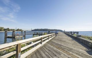 """Photo 23: 1610 PALMERSTON Avenue in West Vancouver: Ambleside House for sale in """"Ambleside"""" : MLS®# R2604244"""