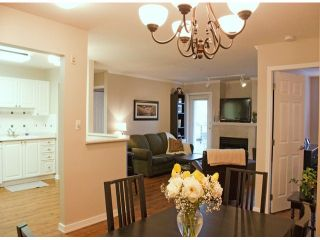 "Photo 2: 305 2526 LAKEVIEW Crescent in Abbotsford: Central Abbotsford Condo for sale in ""MILLSPRING MANOR"" : MLS®# F1228036"