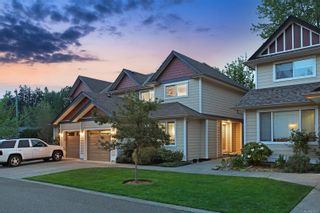 Photo 2: 4 2728 1st St in : CV Courtenay City Row/Townhouse for sale (Comox Valley)  : MLS®# 879923