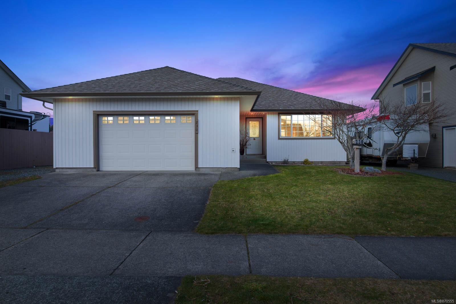 Main Photo: 230 Colorado Dr in : CR Willow Point House for sale (Campbell River)  : MLS®# 870555