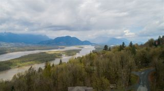 Photo 16: 43207 SALMONBERRY Drive in Chilliwack: Chilliwack Mountain House for sale : MLS®# R2529009