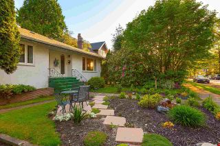 Photo 3: 4030 W 33RD Avenue in Vancouver: Dunbar House for sale (Vancouver West)  : MLS®# R2576972