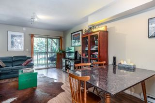 """Photo 3: 28 2720 CHEAKAMUS Way in Whistler: Bayshores Townhouse for sale in """"EAGLECREST"""" : MLS®# R2617757"""
