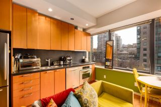"""Photo 10: 511 1333 W GEORGIA Street in Vancouver: Coal Harbour Condo for sale in """"Qube"""" (Vancouver West)  : MLS®# R2439175"""