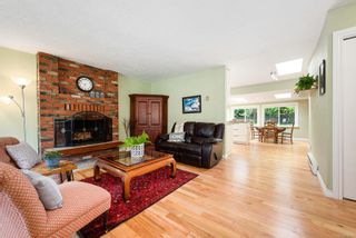 Photo 2: 353 Pritchard Rd in : CV Comox (Town of) House for sale (Comox Valley)  : MLS®# 876996