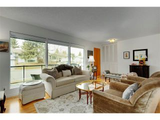 Photo 4: 6224 LONGMOOR Way SW in Calgary: Lakeview House for sale