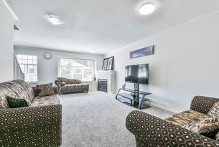 Photo 9: 102 9580 PRINCE CHARLES Boulevard in Surrey: Queen Mary Park Surrey Townhouse for sale : MLS®# R2295935
