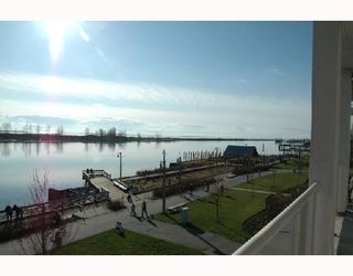 """Photo 3: 319 4600 WESTWATER Drive in Richmond: Steveston South Condo for sale in """"COPPERSKY"""" : MLS®# V694436"""