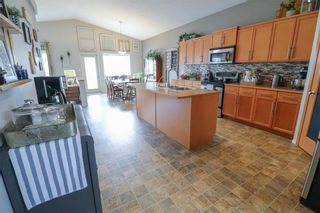 Photo 11: 60 Rutledge Crescent in Winnipeg: Harbour View South Residential for sale (3J)  : MLS®# 202111834
