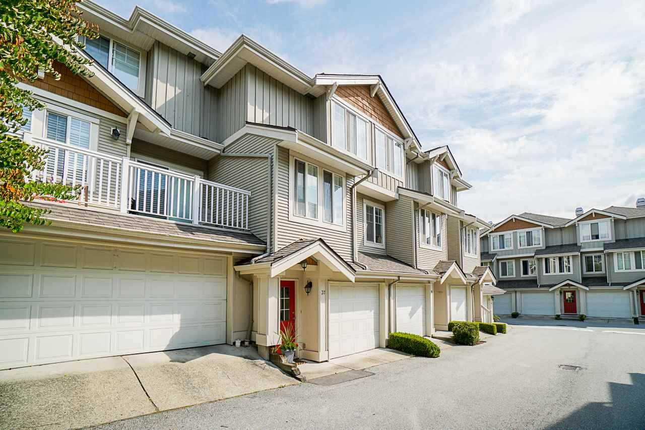 """Main Photo: 37 14877 58 Avenue in Surrey: Sullivan Station Townhouse for sale in """"Redmill"""" : MLS®# R2486126"""