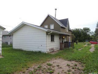 Photo 3: 722 Main Street in Oxbow: Residential for sale : MLS®# SK863093