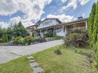 Photo 1: 677 N DOLLARTON Highway in North Vancouver: Dollarton House for sale : MLS®# R2092684