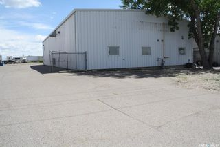 Photo 1: 213 McDonald Street North in Regina: Ross Industrial Commercial for lease : MLS®# SK823481