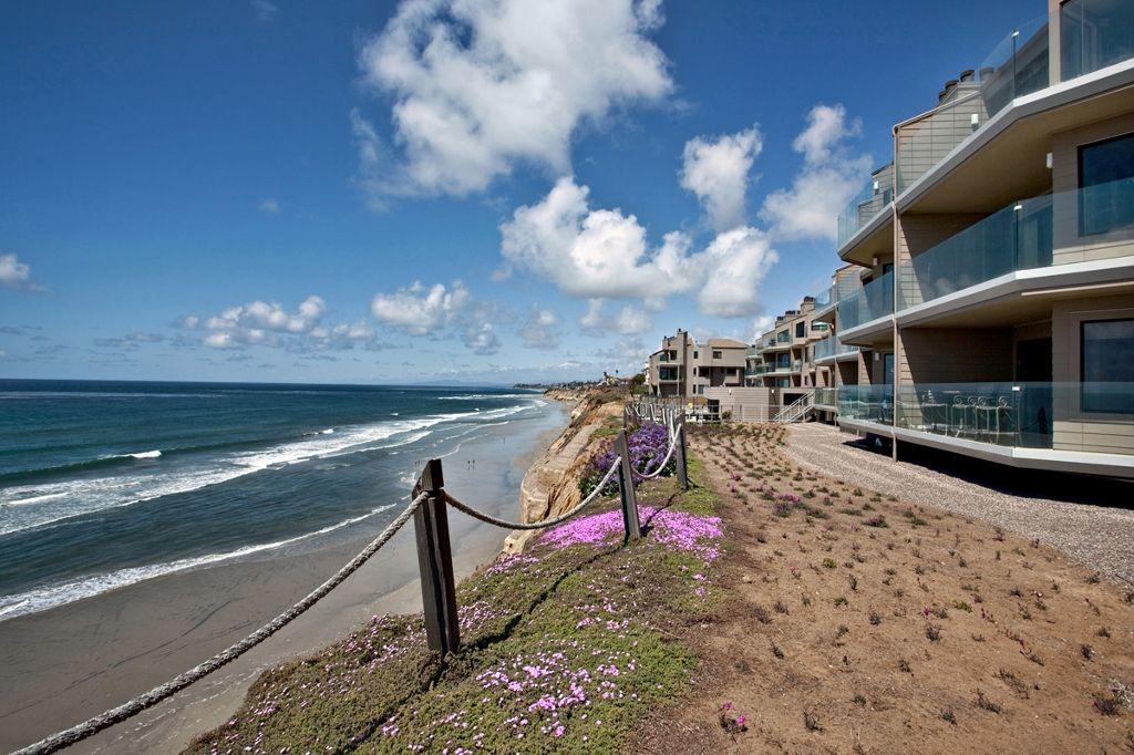 Photo 5: Photos: Condo  : 2 bedrooms :  in Solana Beach