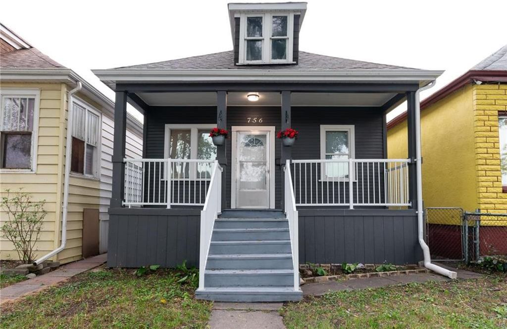 Main Photo: 756 Boyd Avenue in Winnipeg: North End Residential for sale (4A)  : MLS®# 202118382