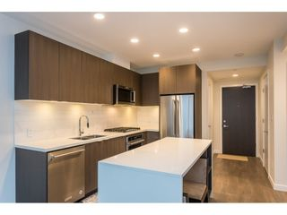 Photo 3: 407 530 Whiting Way in Coquitlam: West Coquitlam Condo for sale : MLS®# R2433714