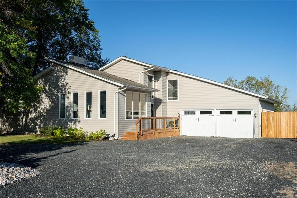 Main Photo: 5480 BIRDS HILL Road in St Clements: Gonor Residential for sale (R02)  : MLS®# 202023190