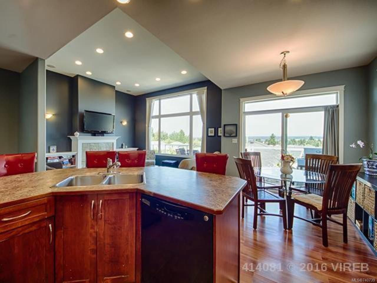 Photo 3: Photos: 632 Nelson Rd in CAMPBELL RIVER: CR Willow Point House for sale (Campbell River)  : MLS®# 740739
