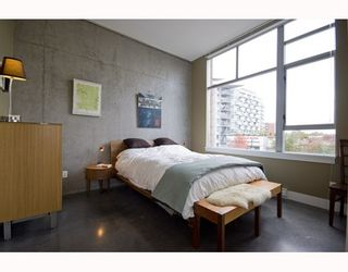 """Photo 9: 412 2635 PRINCE EDWARD Street in Vancouver: Mount Pleasant VE Condo for sale in """"SOMA LOFTS"""" (Vancouver East)  : MLS®# V793823"""