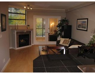 "Photo 40: 208 2228 MARSTRAND Avenue in Vancouver: Kitsilano Condo for sale in ""SOLO"" (Vancouver West)  : MLS®# V673358"