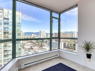 """Photo 9: 1304 1238 BURRARD Street in Vancouver: Downtown VW Condo for sale in """"ALTADENA"""" (Vancouver West)  : MLS®# R2620701"""