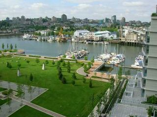 """Photo 2: 907 638 BEACH CR in Vancouver: False Creek North Condo for sale in """"ICON"""" (Vancouver West)  : MLS®# V608921"""