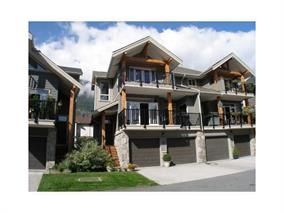 "Photo 1: 3 39758 GOVERNMENT Road in Squamish: Northyards Townhouse for sale in ""Arbourwoods"" : MLS®# R2198202"