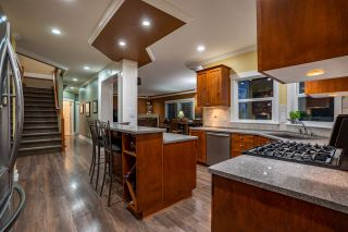 """Photo 7: 5800 167 Street in Surrey: Cloverdale BC House for sale in """"WESTSIDE TERRACE"""" (Cloverdale)  : MLS®# R2487432"""