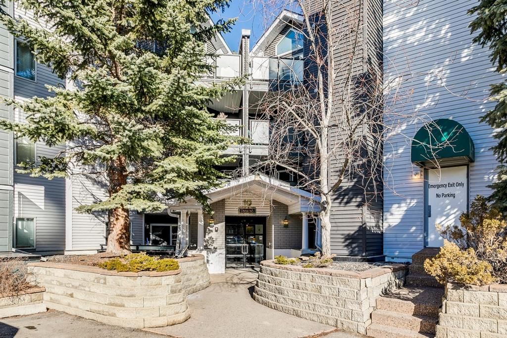 Main Photo: 318 10 Sierra Morena Mews SW in Calgary: Signal Hill Apartment for sale : MLS®# A1082577