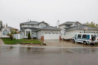 Photo 2: 6508 154 Avenue in Edmonton: Zone 03 House for sale : MLS®# E4245814