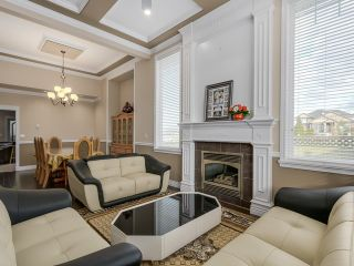 Photo 4: 14393 75A AV in Surrey: East Newton House for sale : MLS®# F1433747