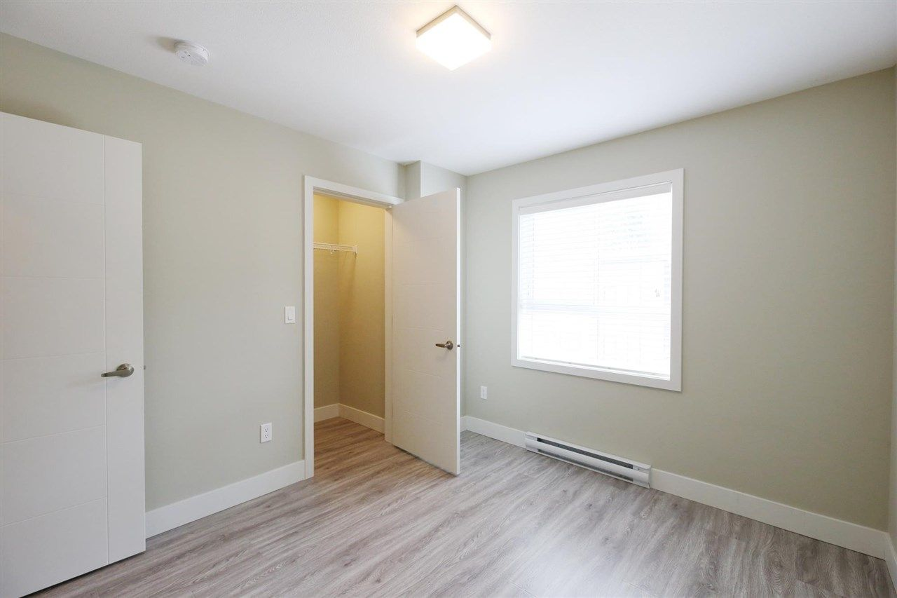 """Photo 17: Photos: 30 1938 NORTH PARALLEL Road in Abbotsford: Abbotsford East Townhouse for sale in """"PARALLEL SOUTH"""" : MLS®# R2589930"""