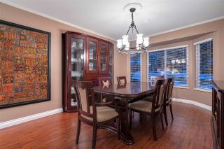 "Photo 4: 2579 CAMBERLEY Court in Coquitlam: Coquitlam East House for sale in ""DARTMOOR/RIVER HEIGHTS"" : MLS®# R2429739"
