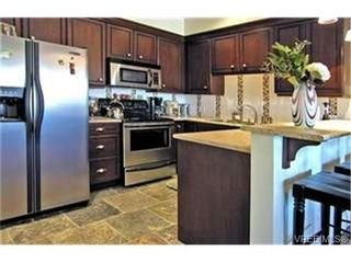 Photo 4:  in VICTORIA: La Bear Mountain Condo for sale (Langford)  : MLS®# 446784