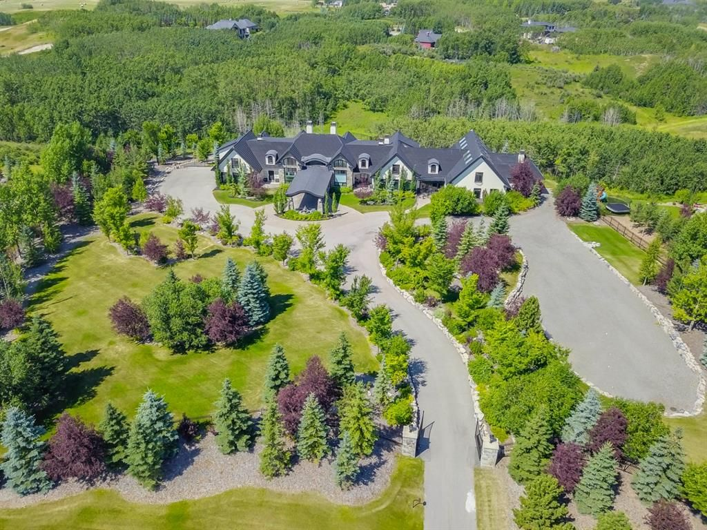 Main Photo: 251201 Welland Drive NW in Rural Rocky View County: Rural Rocky View MD Detached for sale : MLS®# A1124720