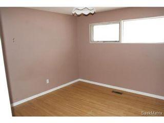 Photo 9: 1008 WALKER Street in Regina: Rosemont Single Family Dwelling for sale (Regina Area 02)  : MLS®# 523318