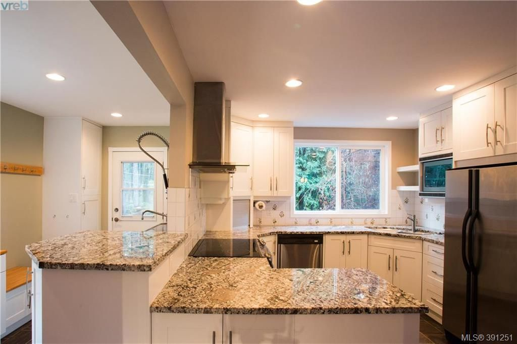 Main Photo: 4491 Prospect Lake Rd in VICTORIA: SW Prospect Lake House for sale (Saanich West)  : MLS®# 786459