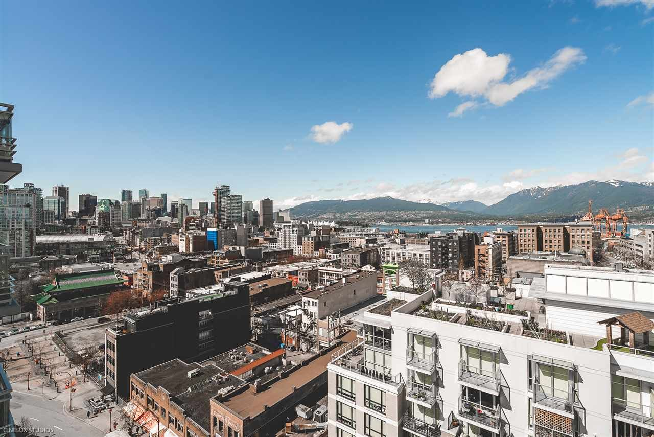 """Photo 4: Photos: 1806 188 KEEFER Street in Vancouver: Downtown VE Condo for sale in """"188 KEEFER"""" (Vancouver East)  : MLS®# R2257646"""