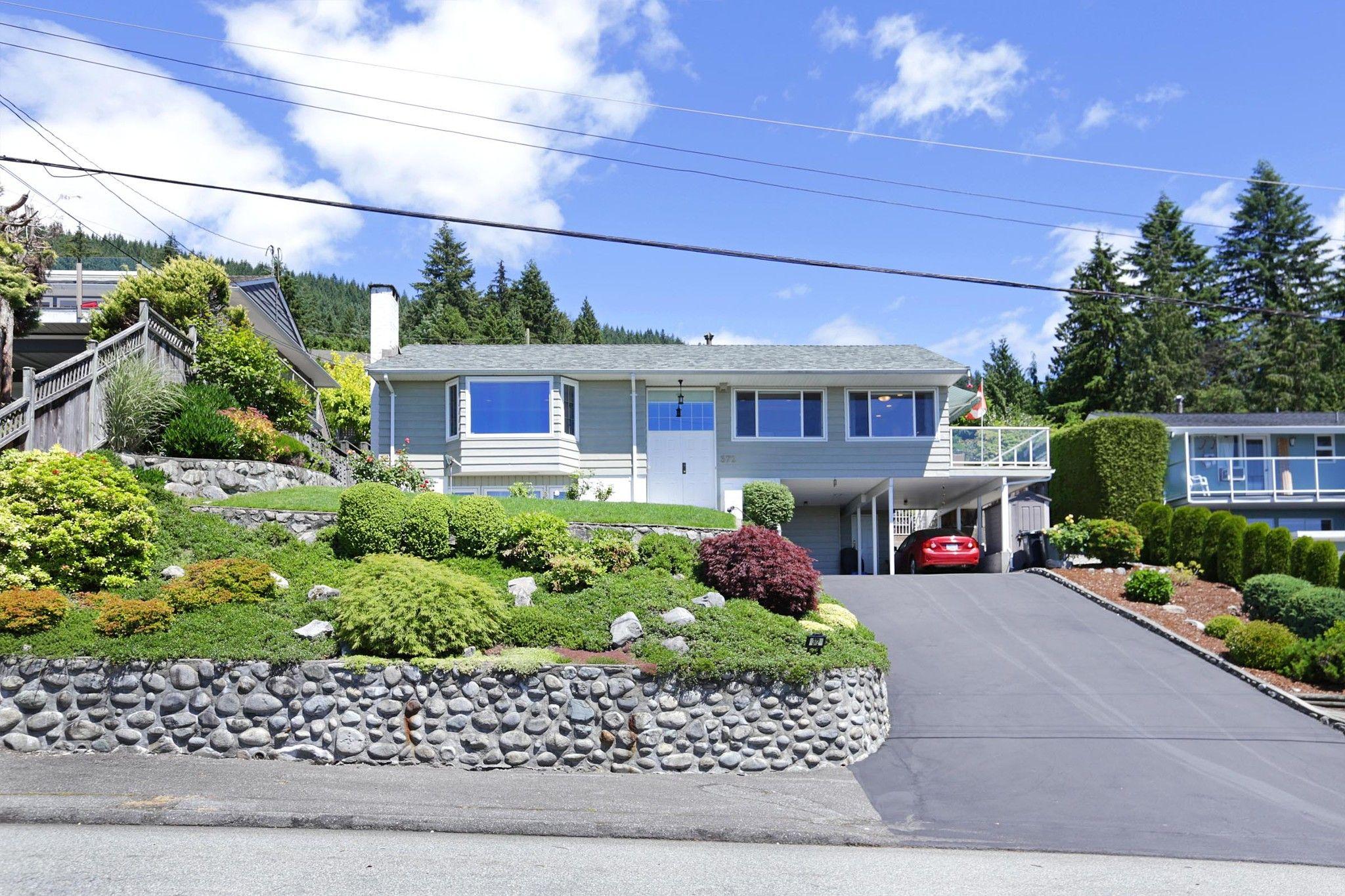 Main Photo: 372 VENTURA Crescent in North Vancouver: Upper Delbrook House for sale : MLS®# R2284717
