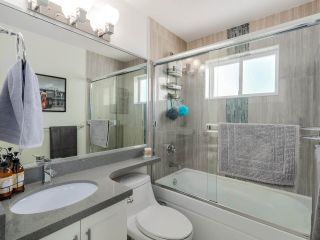 Photo 9: 865 E 10TH Avenue in Vancouver: Mount Pleasant VE 1/2 Duplex for sale (Vancouver East)  : MLS®# R2068935