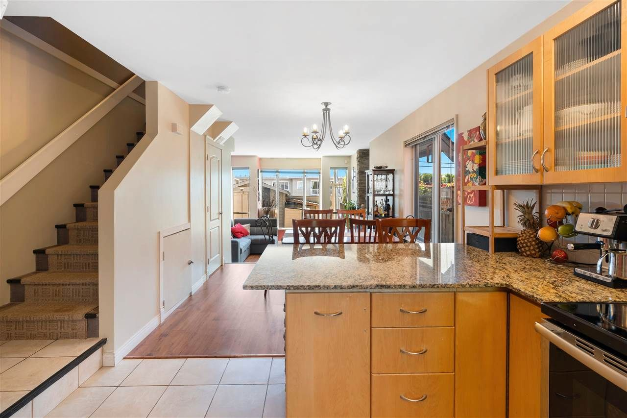 Photo 6: Photos: C 229 W 5TH Street in North Vancouver: Lower Lonsdale 1/2 Duplex for sale : MLS®# R2589308
