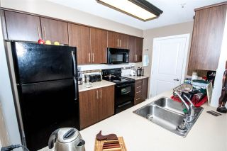"Photo 13: 118 12248 224 Street in Maple Ridge: East Central Condo for sale in ""URBANO"" : MLS®# R2219429"