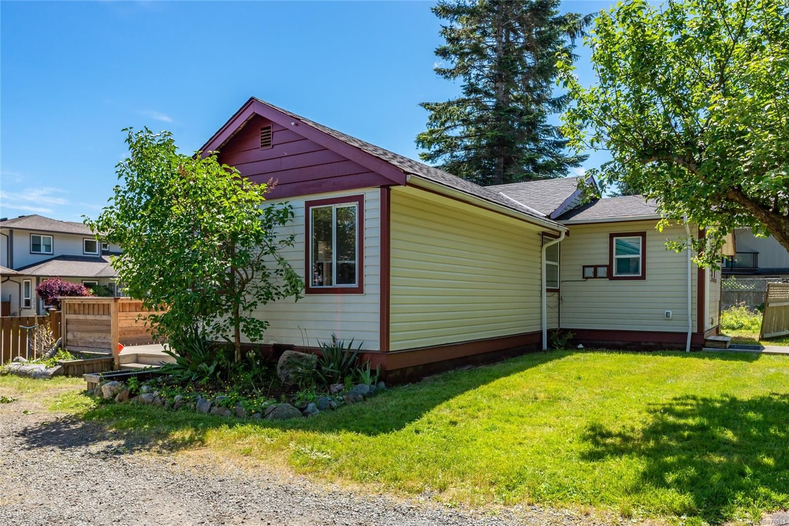 Main Photo: 125 Dahl Rd in : CR Willow Point House for sale (Campbell River)  : MLS®# 878811